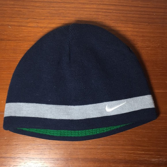 2e728a102f804 Nike Reversible Cap winter hat Navy White Green. M 5c421b592beb79c5276dc1ac